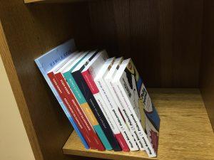 Dlaczego nie warto czytać książek od deski do deski?